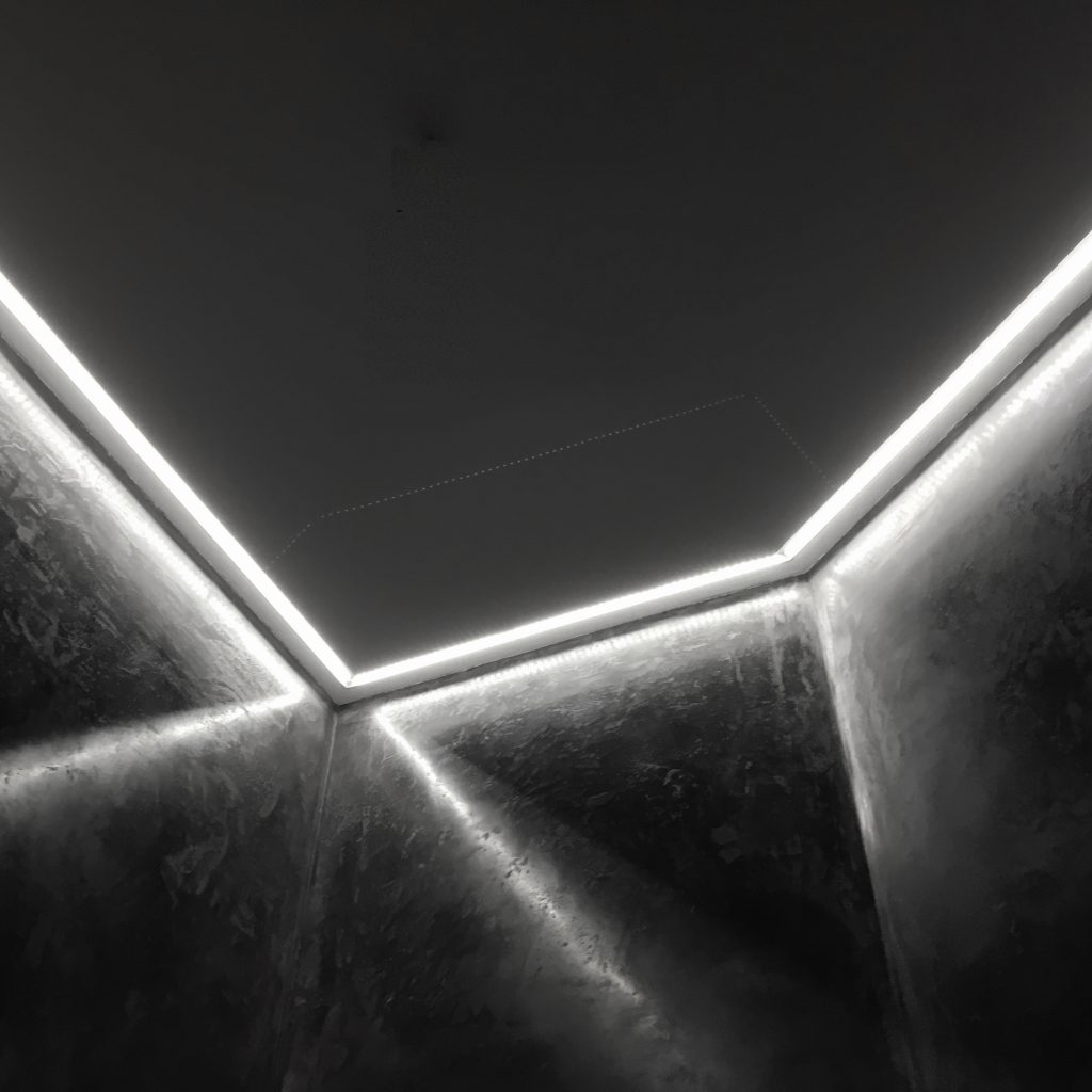 18. iluminación_foseado techo_ perfil integrado_baño